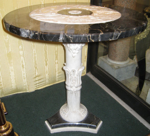 Neoclassical Italian Marble Pedestal Center Table