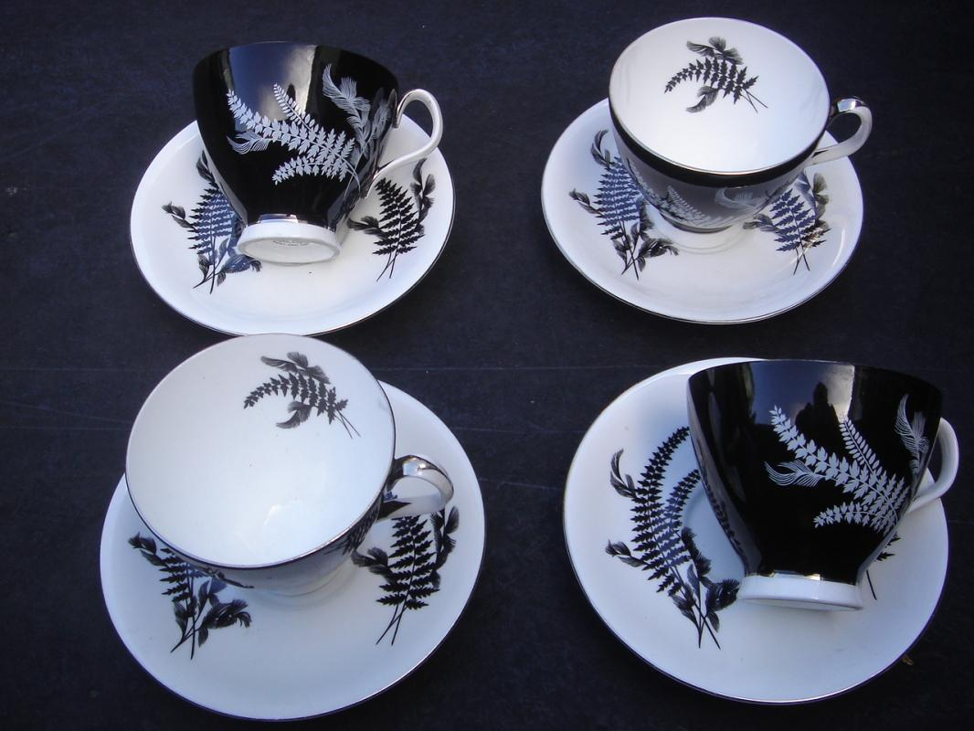 Beautiful ROYAL ALBERT Night and Day Tea Cups + Saucers LOT 8 pcs.