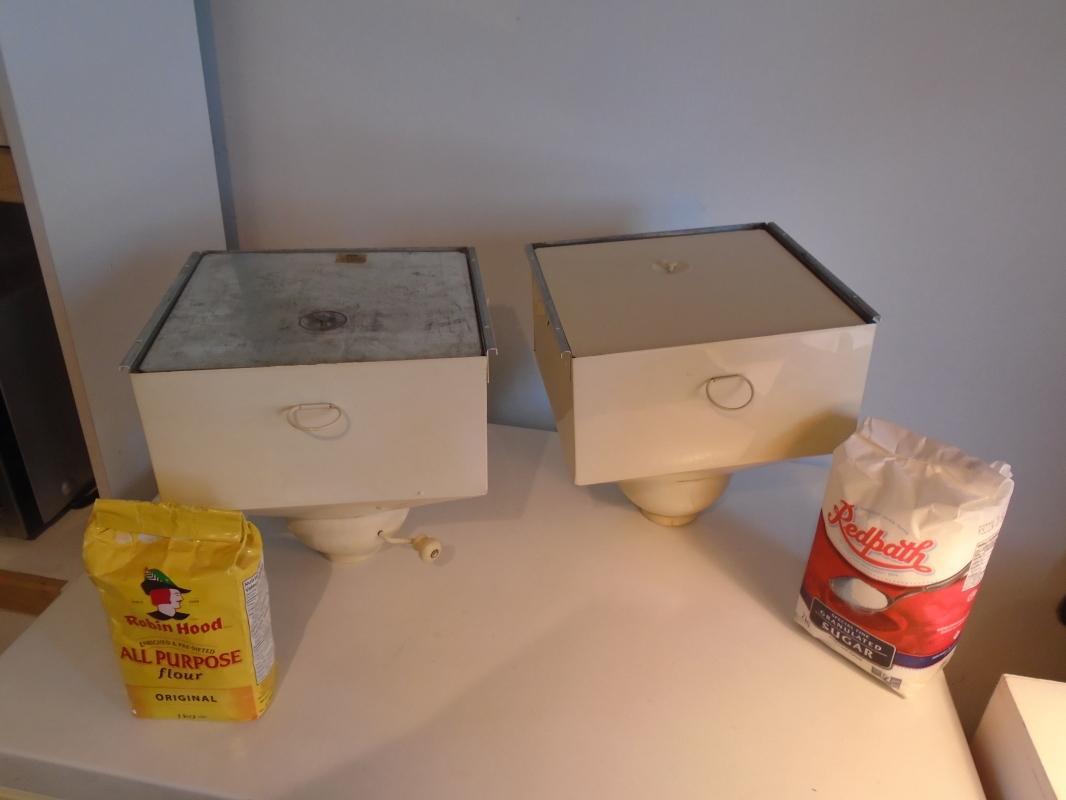 Complete HOSSIER Cabinet FLOUR & SUGAR BINS ONLY__ Like New Condition _ Very Hard to Find Complete