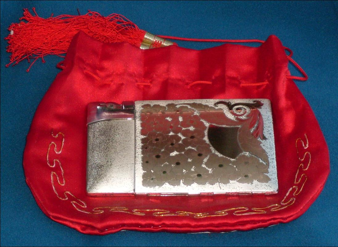Elgin American Magic Action Lite - o- Matic CIGARETTE CASE with Lighter & ORIGINAL info Papers