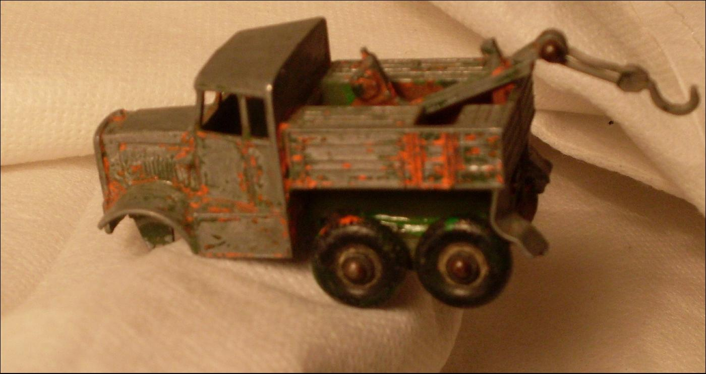 Vintage DINKY TOYS 621 3 Ton Army Wagon & Matchbox No.64 Scammell Breakdown Truck