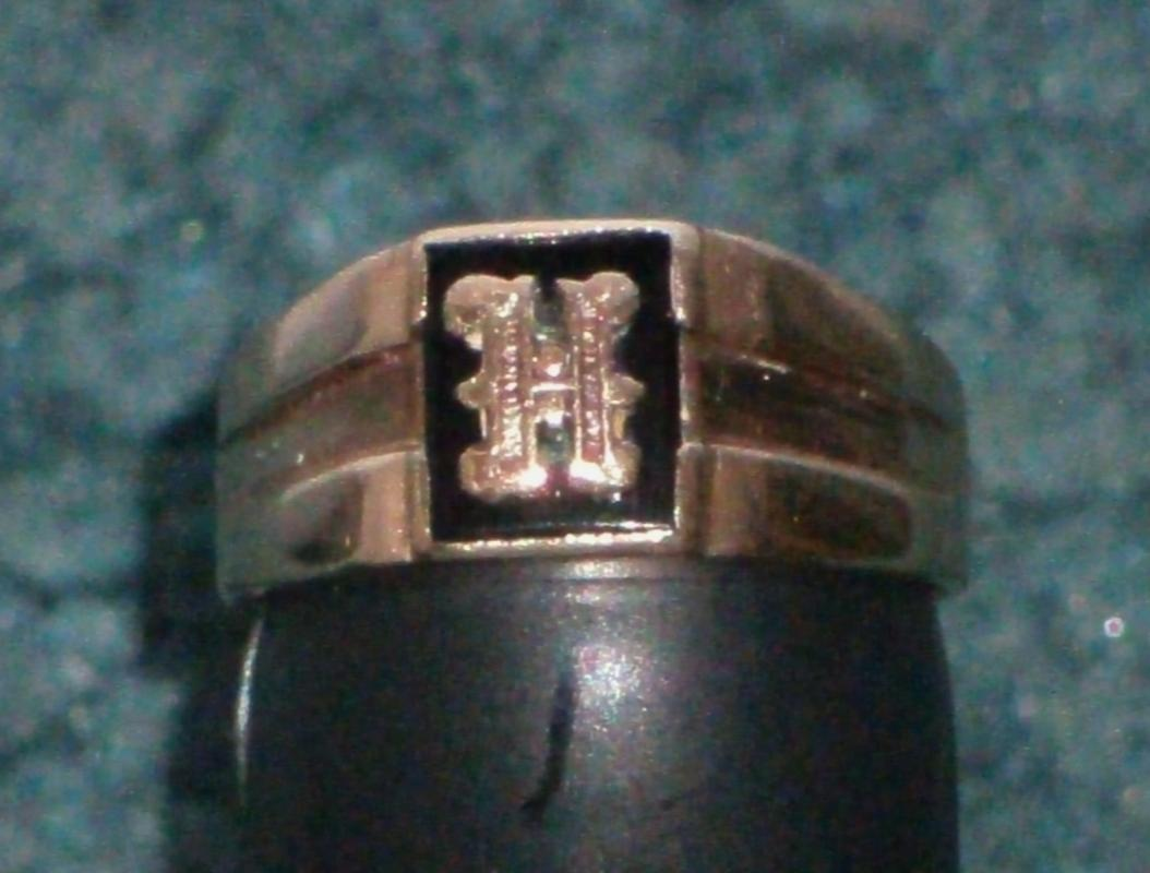 10K GOLD Ring LETTER H ( screw holding letter ) on Black Alaskan Diamond _Quality old Ring Nice Condition_SIZE 7 1/2 _