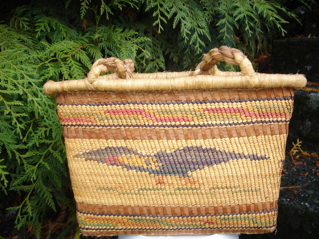 Northwest Coast Nuu-Chah-Nulth LARGE ~ 14 Inches High~ Handmade  GENUINE Cedarbark   HAND  Woven BASKET with LARGE THICK CEDARBARK ROPE HANDLES .  Master Basket Weaver.  Museum Quality  One-of-a-Kind Vintage_NO SALES TAXES to USA + NO SALES TAXES to CDN