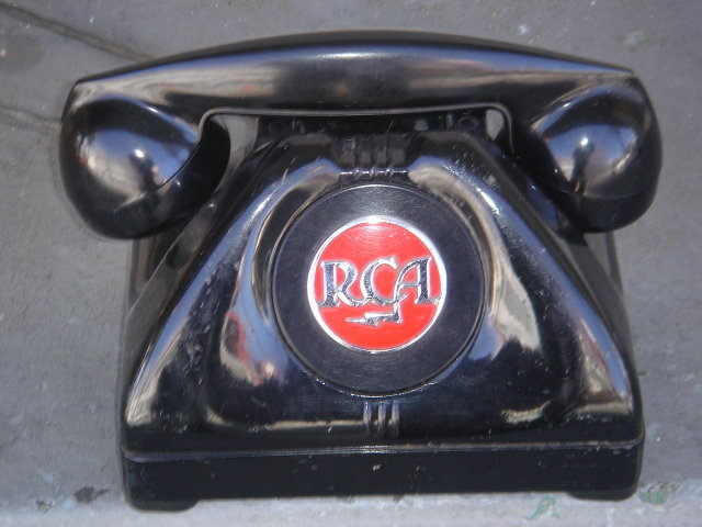 Cica 1938 RCA DIRECT-LINE TELEPHONE_ Advertising Logo VERY  RARE model _ Non-Dial  PHONE  ~~ HEAVY  6 1/2 LBS  Steel Body + Bakelite Receiver