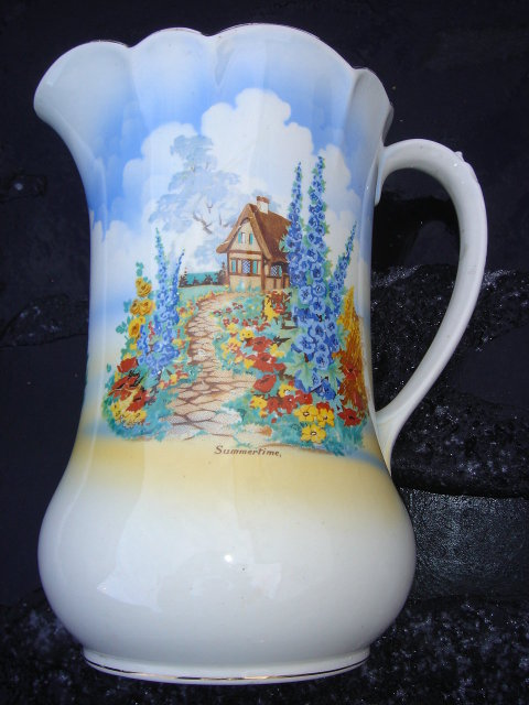 Estate Pottery JUG / Pitcher   ~~ LARGE ~~ 10.5 Inches High Pretty