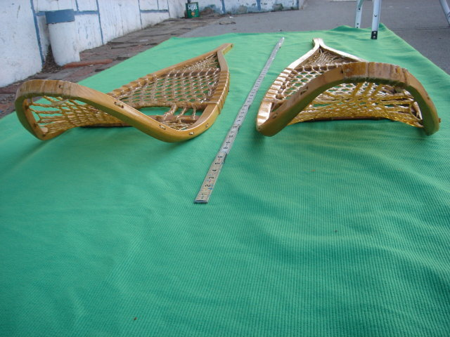 Vintage Sports Memorabilia SNOW SHOES Huron Design  CUSTOM MADE ~~  LARGE 58 INCH SIZE ~ Canada In Excellent Condition Decorate Home / Office/ Give as Gift SNOWSHOES