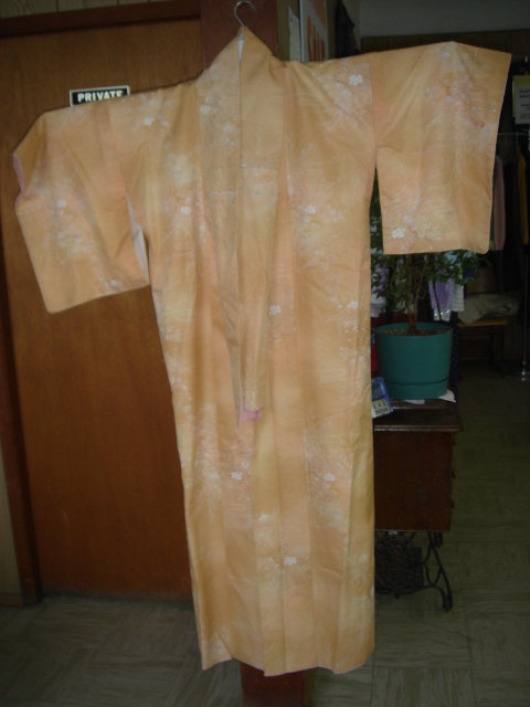 Circa 1940's 50's ___Think  GIFT___COMPARE ONE AT $295.00  RIGHT HERE $125.00  from Estate Orientalia Beautiful JAPANESE Ombre Tsukesage KIMONO Size Medium for Tall Lady over 5ft 8