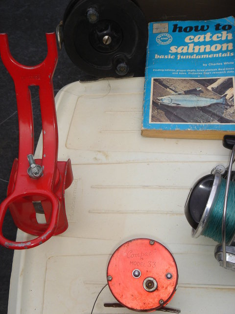 Collectible Sports FISHING Memorabilia 9 PCS Salmon Reels, Fly Fishing, DIAWA  A - 400RL Cadillac 111 TWO ROD HOLDERS,~ Rare Early Copy ~ HOW TO CATCH SALMON by Charles White ~ the Whole Lot  ~ LOW PRICE