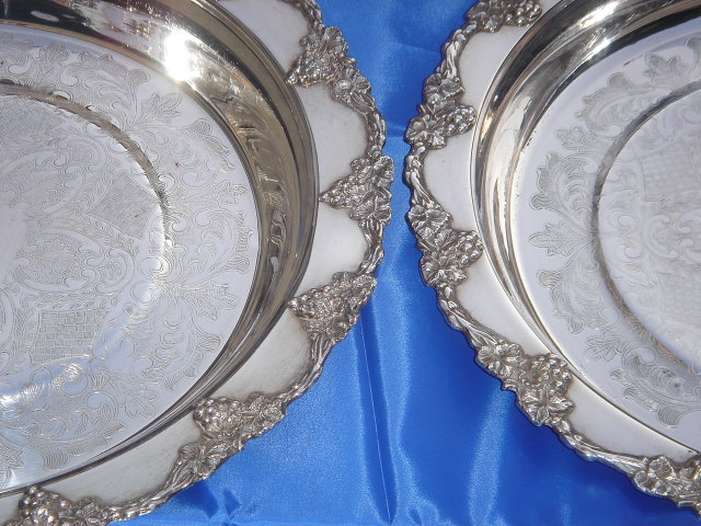 Collectible 5 Pcs ~  OLD ENGLISH Silver Plate 2 Entree Dishes with Matching Lids SIZE 13
