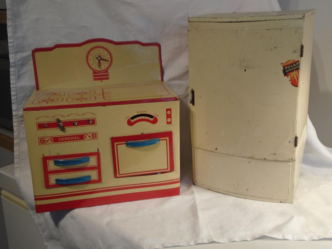 Vintage Children S Wolverine Tin Toy Kitchen Polar Refrigerator Usa