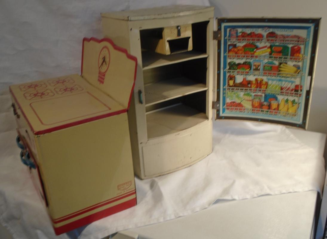 Vintage Children's WOLVERINE Tin Toy Kitchen POLAR Refrigerator USA + GENERAL Tin Toy Stove Canada / USA _ Graphics on inside door of fridge Beautiful _ Great Decorating DECOR _LOT of 2 PCs
