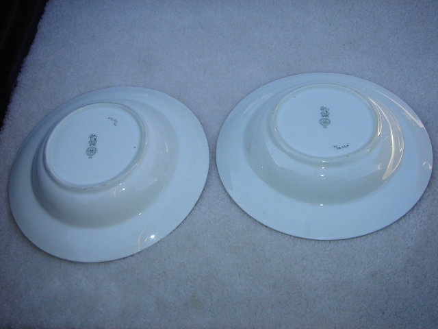 Collectible Porcelain ROYAL DOULTON  Large Bowls the Pair in Excellent Condition