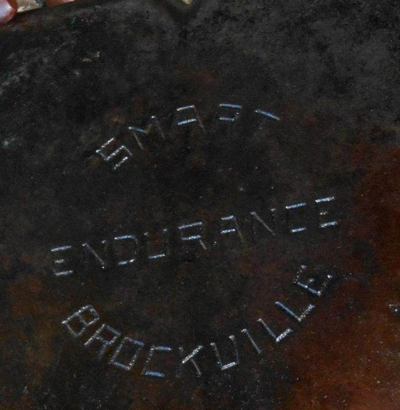 Circa 1900 _ SMART ENDURANCE BROCKVILLE _ SQUARE CAST IRON Frying Pan _ features 3 cooking areas inside pan_ Excellent Clean Condition_ NO DAMAGE