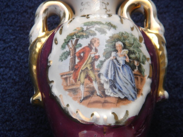 Pretty Collectible _ELECTRIC Bedside Lamp with Marbleized effect _ Unusual Find _ Working Tested