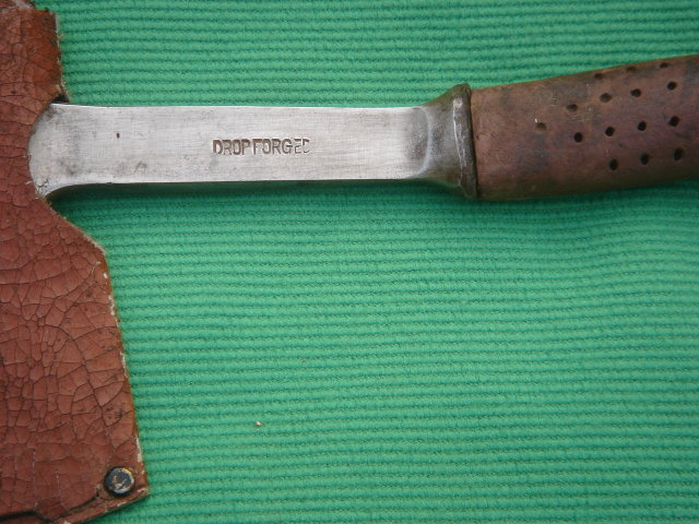 Collectible SCOUT HATCHET        Axe    pulling nails slot    Forged Steel   Ax