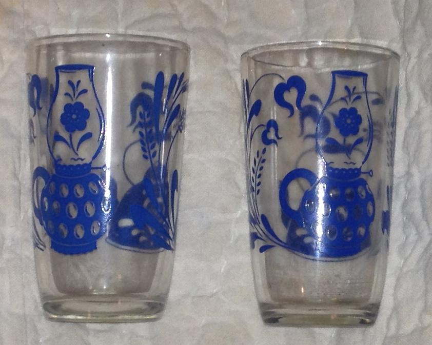 Swanky Swig Blue Antique Pattern Lot of Two Juice Drinking Glasses Kitchenware