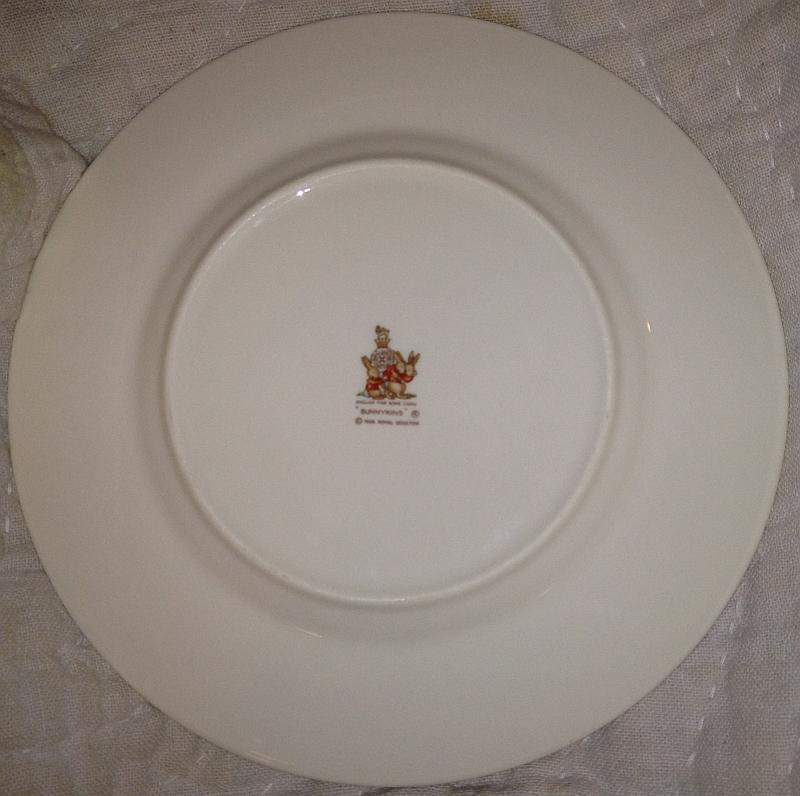 Royal Doulton Bunnykin Plate Family Eating Dinner Center Child's Vintage Plate