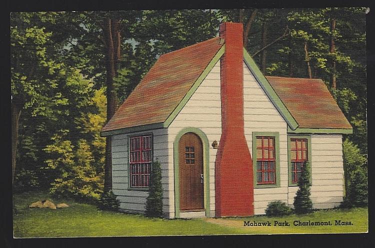 Vintage Unused Postcard of Mohawk Park De Luxe Cabins, Charlemont, Massachusetts
