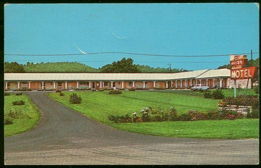 Postcard of The Brown Motel, on US Highway 127, Liberty, Kentucky