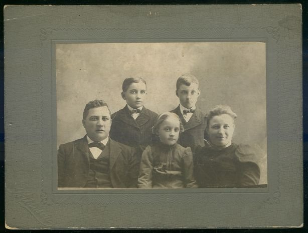Cabinet Card Photograph of Happy Young Family