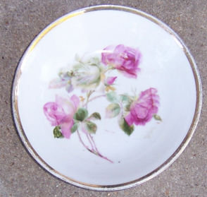 German Berry Bowl with Pink and White Roses Gold Trim