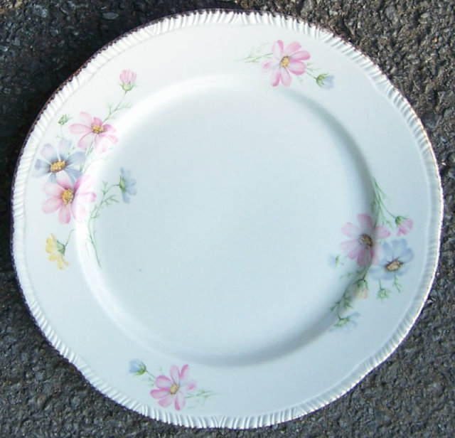 Homer Laughlin Newell Plate with Helene Floral Design