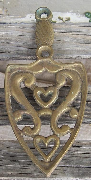 Vintage Brass Sad Iron Shape Trivet with Double Heart Design and Three Feet