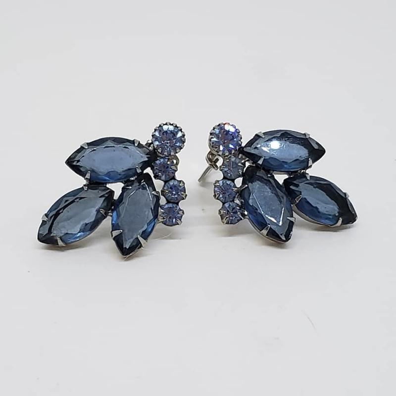 Juliana D&E Blue Rhinestone Wreath Brooch & Clip Earrings
