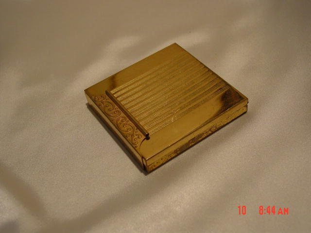 Avon Compact with Scrollwork Lip