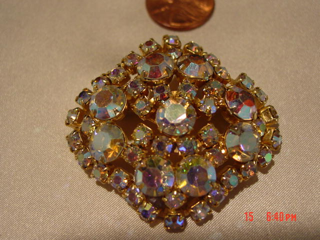 Large Unsigned Aurora Borealis Brooch