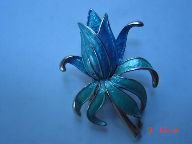 Baby Blue Enamel Pastelli Flower Pin