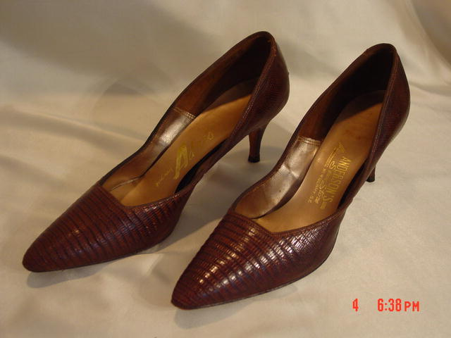 Vintage Brown Reptile Lizard Alligator Stiletto High Heel Shoes Size 7AAA
