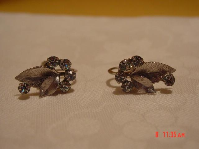 Vintage '50's Krementz Silver Leaves & Rhinestones Screwback Earrings