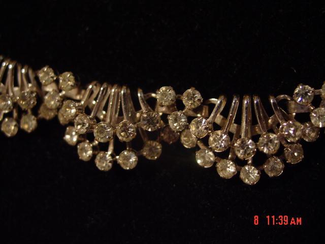 Sparkling 2-Tier 9-Link Rhinestone Necklace