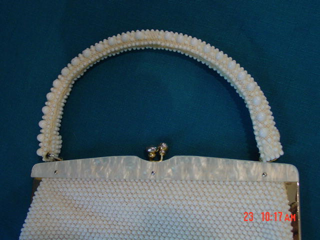Vintage White Bead Handbag with Mother of Pearl Clasp