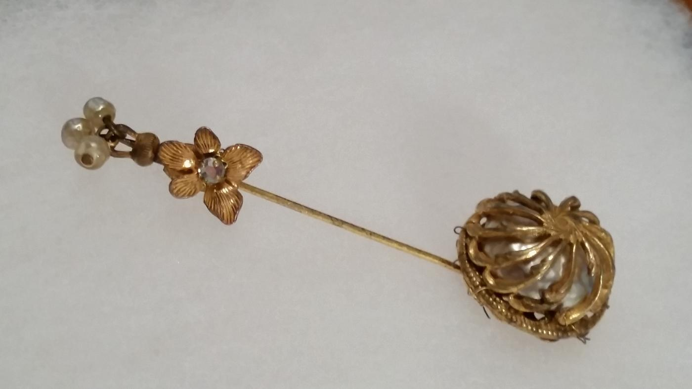 Early Miriam Haskell Baroque Pearl Stick Pin