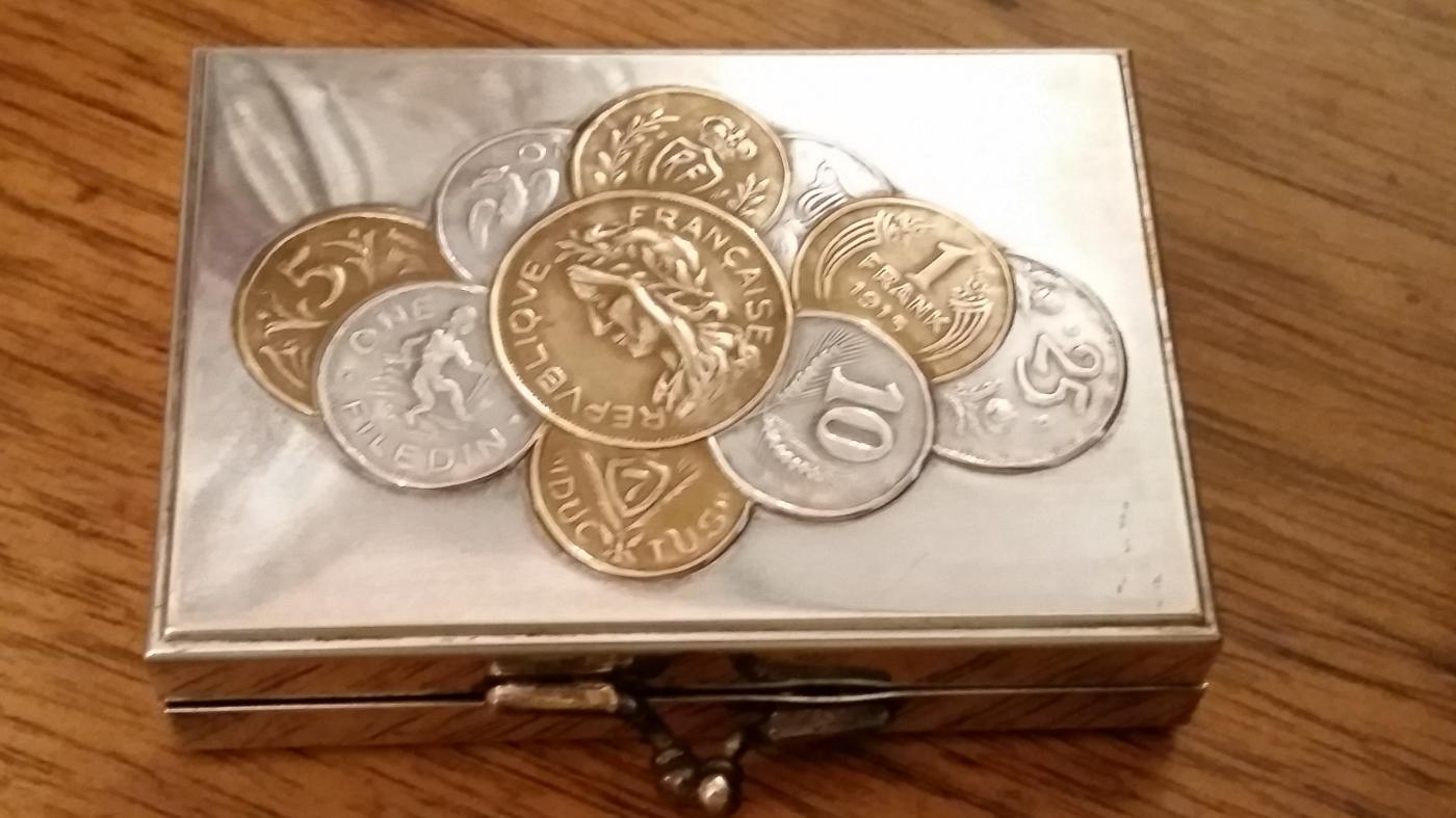 Silverplate 1915 European Coin Purse Box