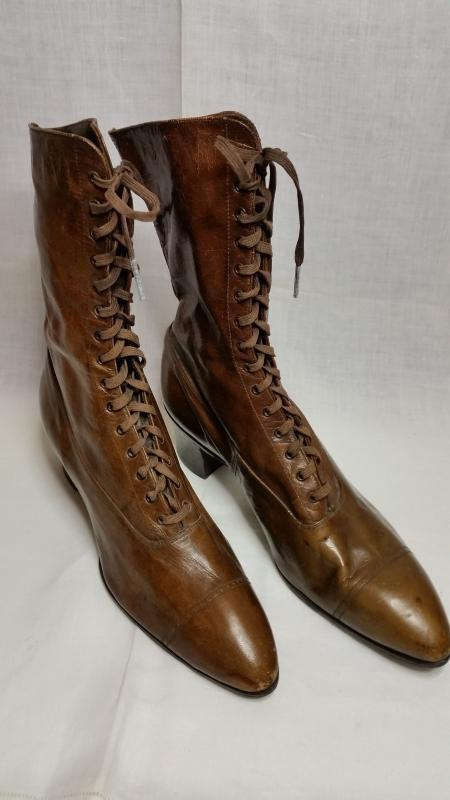 d21cccdc6e58f Antique Victorian Brown Leather Ladies Lace-Up Boots