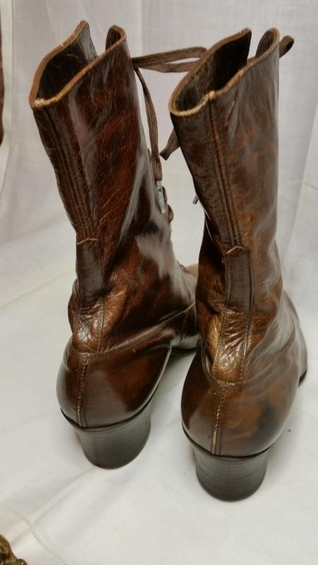 Antique Victorian Brown Leather Ladies Lace-Up Boots