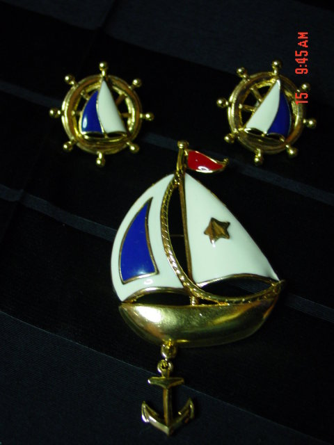 Avon Sailboat Pin & Pierced Earrings Set