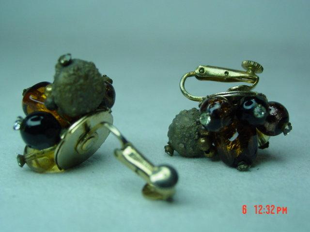 Vendome Art Glass Clip Earrings