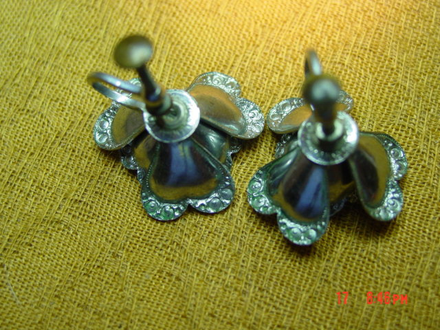 Czechoslovakia Aluminum Eloxal Flower Screwback Earrings