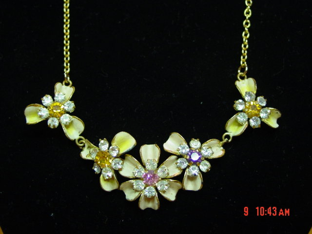 Vintage Enamel Flower & Rhinestone Necklace