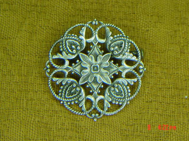 Round Silver Art Nouveau Filigree Pin