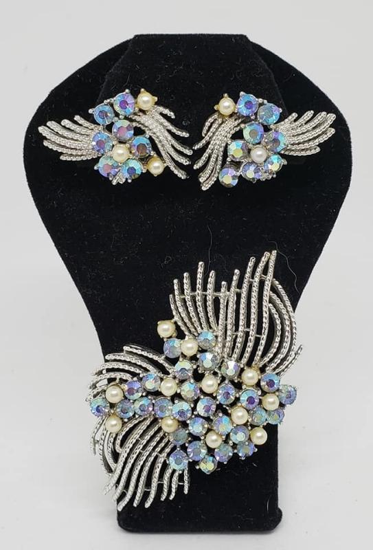 Rhodium Plated Coro Brooch & Matching Clip Earrings Blue AB Rhinestones Faux Pearls