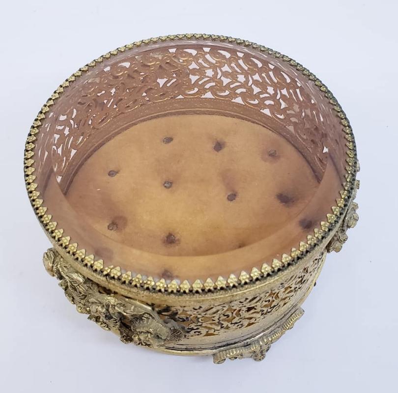Stylebuilt Round Jewelry Casket