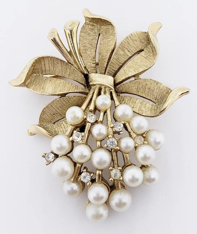 Trifari Goldtone Faux Pearl Posy Brooch Pin