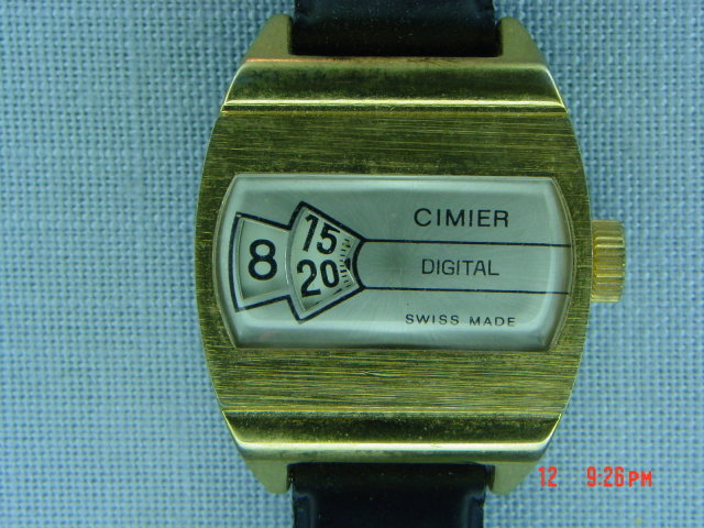 1970 Goldtone Cimier Digital Mechanical Jump Hour Wrist Watch