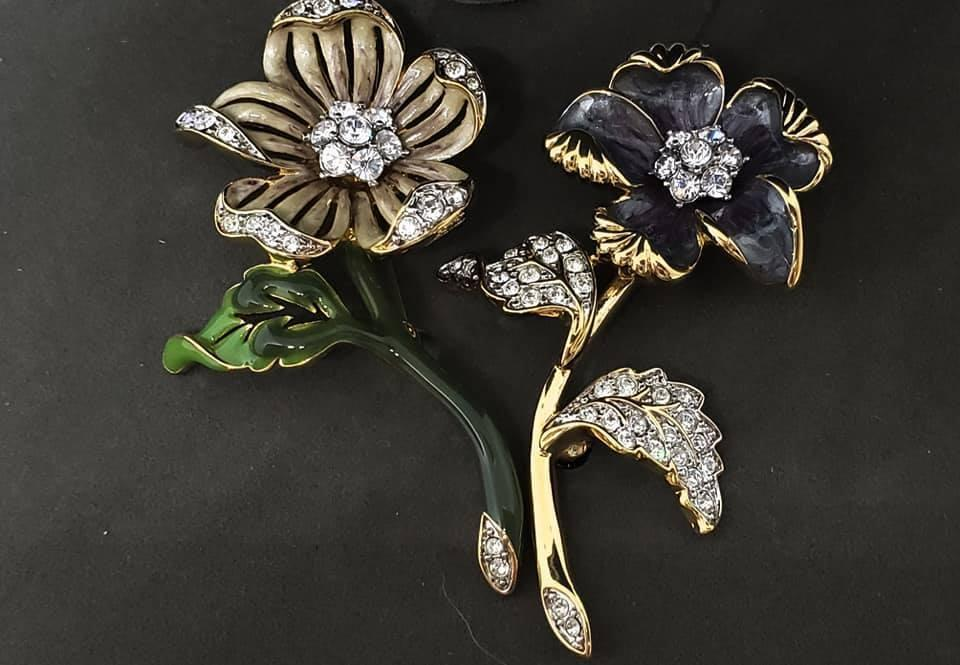 Nolan Miller Glamour Collection Country Flower Pin Set