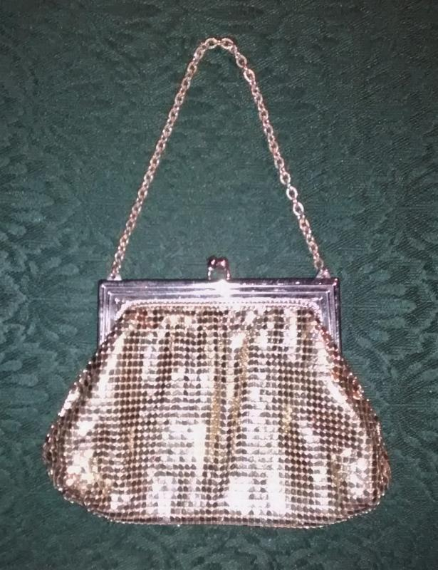 Vintage Whiting & Davis Silver Mesh Purse w/Twist Closure & Chain